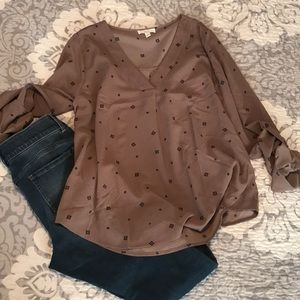 New without tag tan blouse